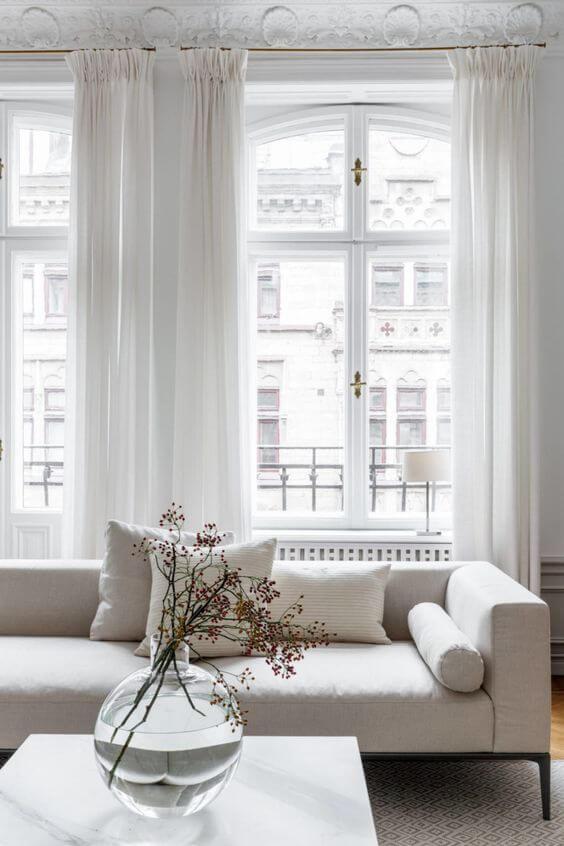 maken in de woonkamer of juist een mooie toevoeging zijn bij het interieur ze zijn dus niet te missen daarom hebben wij 5 gordijnen trends voor jou op
